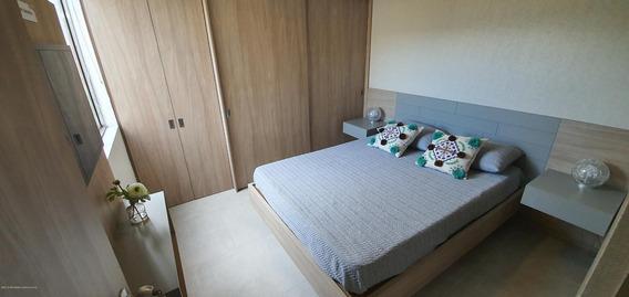 Apartamento Venta En Centro De La Moda Mls 20-300