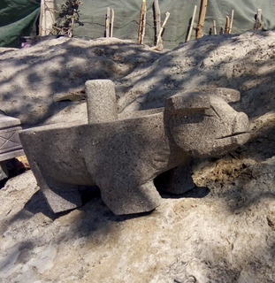 Molcajete De Piedra Volcánica De Colima Figura De Cerdo