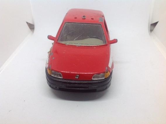 Miniatura Fiat Punto Burago Anos 90 1/24(sucata)