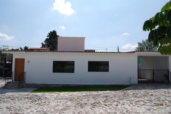 Casa Casi Nueva Renta En Conjunto De 4 Casas En Juriquilla.