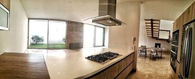 Enorme Casa De 3 Niveles En Mítica Residencial