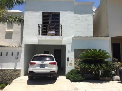 Hermosa Casa En Renta En Fraccionamiento Privado, Zona Carretera Nacional, Excelente Ubicación