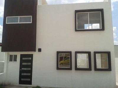 Casa En Renta En Fracc. Mirador Qro. Mex