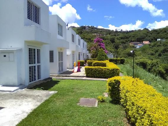 Town House En Bosques De La Lagunita