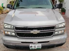 Chevrolet Silverado 5.3 8 Cil. 2500 Cabina Y Media.