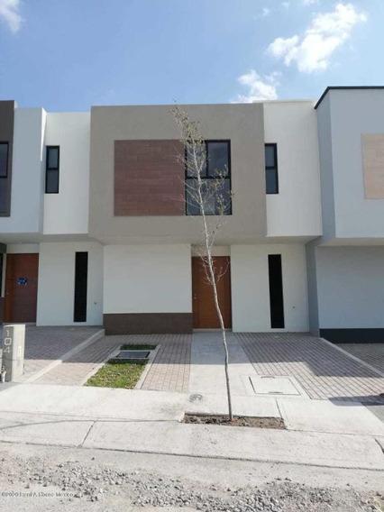 Casa En Renta En Zakia, El Marques, Rah-mx-20-3740