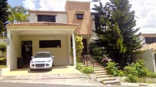 Se Vende Casa De Oportunidad En Arroyo Hondo
