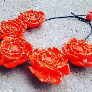 Maxi Colar Rosas Em Resina.