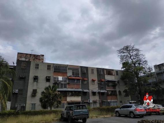 Apartamento En Venta En Caña De Azucar Maracay/ 20-3058 Wjo
