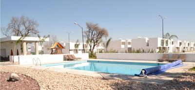Hermosa Casa En El Pueblito, 3 Recámaras, 3.5 Baños, Una En P.b, Alberca, Ganela