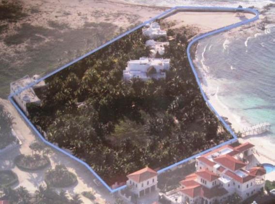 Terreno En Venta Playa Del Carmen, Con 5 Villas En Punta Es