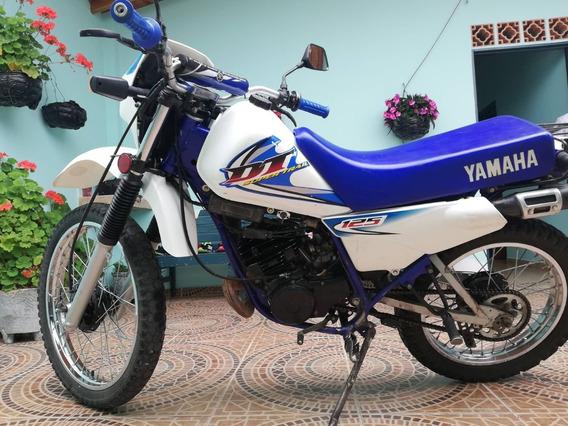 Yamaha Dt-125, Azul-blanca