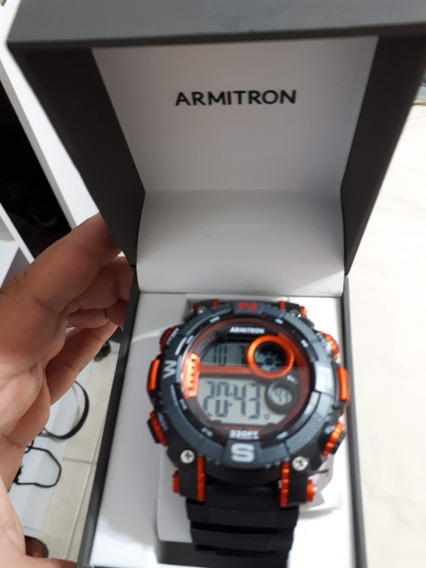 Reloj Armitron Negro Con Vivos Metalicos Contra Agua