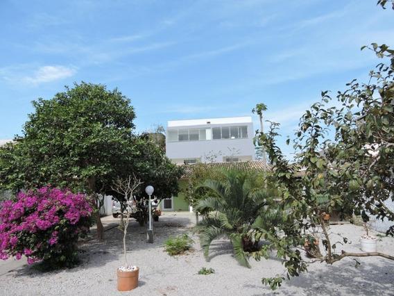 Casa Com 2 Dormitórios À Venda, 118 M² Por R$ 480.000 - Campeche - Florianópolis/sc - Ca2312
