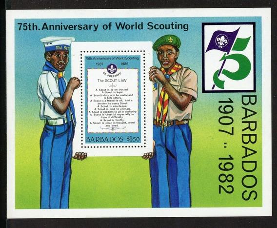 1982 - Aniv Movimiento Boy Scouts- Barbados (bloque) Mnh