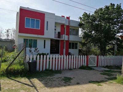 Casa De 4 Recamaras Y 2 Baños