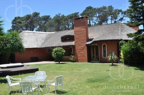 Punta Del Este, Jardines De Cordoba, 4 Dormitorios Y Dependencia*- Ref: 42991
