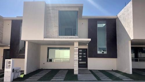 Estrena Casa En Exclusivo Fraccionamiento Con Alberca Y Casa
