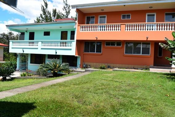 Amplia Propiedad Con 2 Casas Duplex Los Angeles, San Rafael