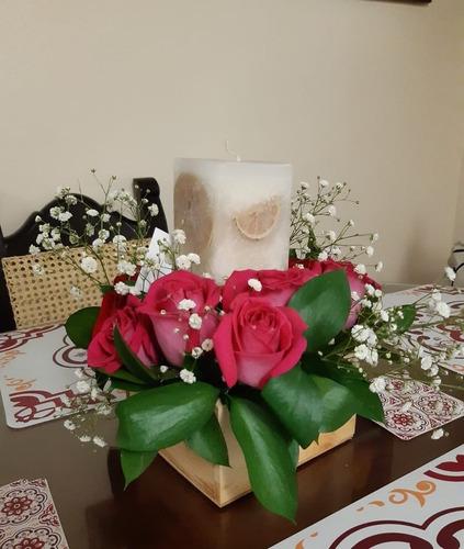 Arreglo Floral Con Vela En Parafina