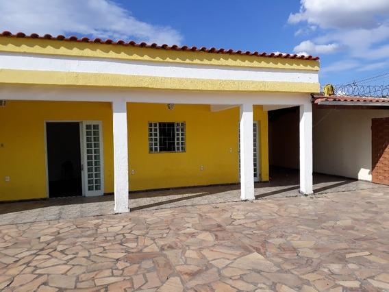 Vendo Ou Troco Casa Três Quartos Por Imóvel Ou Carro Menor Valor - 7422