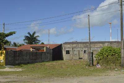 Terreno No Jardim Regina, Em Itanhaém, 300 Metros Quadrados
