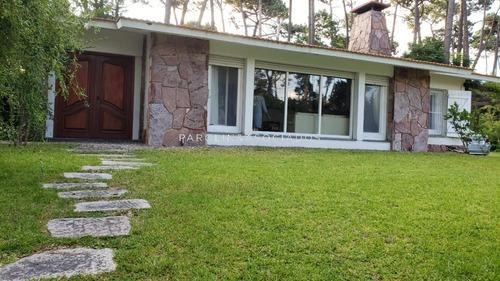 Casa De 3 Dormitorios En San Rafael, Punta Del Este- Ref: 1754