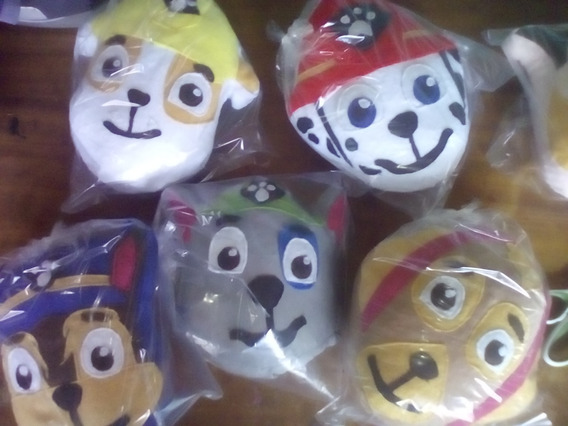 Cojines Peluches Comiquitas 20 Cm (pawpatrol,mickey,pjmask)