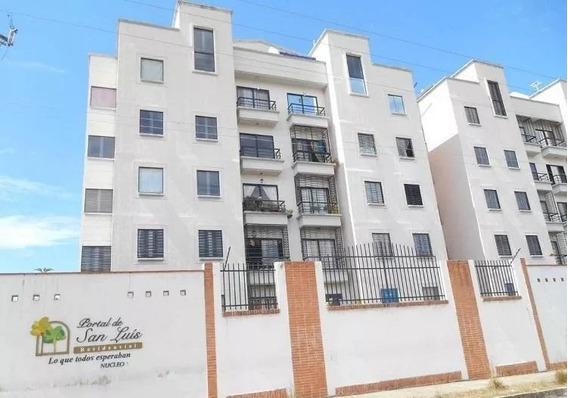 Apartamento En Res. Portal De San Luis, La Florida. Foa-850