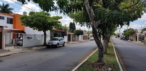 Oficina En Jardines De Mérida, Mérida