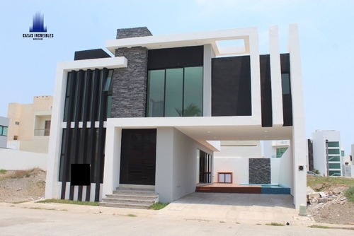 Casa En Venta, Con Carril De Nado, Riviera Veracruzana