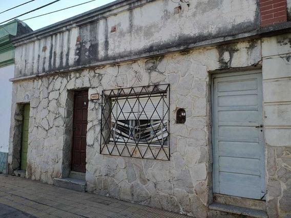 Casa De 6 Ambientes, 2 Baño, Patio, Pasillo