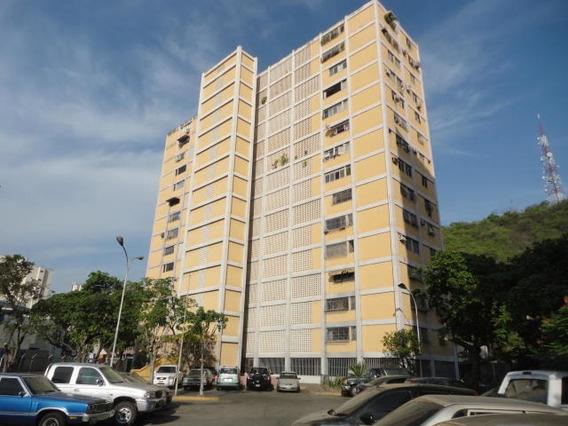Apartamento En Venta Res 19 De Abril Cod. 19-20486