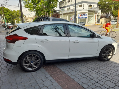 Ford Focus Iii 2.0 Sedan Se Plus Mt 2016