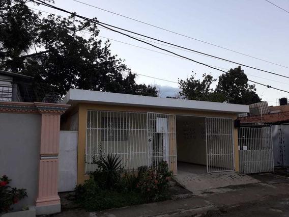 Vendo Esta Casa En La Urbanizacion Villa Satelite Villa Mell