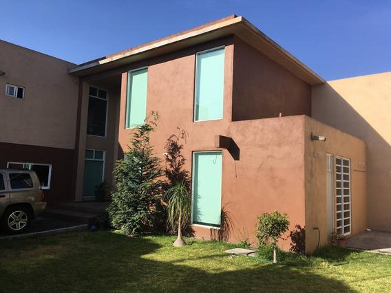 Casa En Renta Calle De La Independencia, Delegación Santa Ana Tlapaltitlán