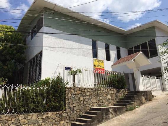 Céntrica Casa En Renta O Venta