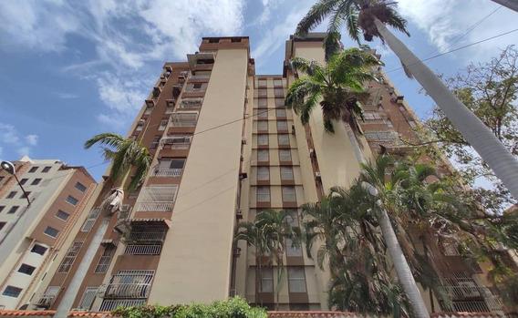 Apartamento En El Bosque// Rayzy Rosales 04242648358