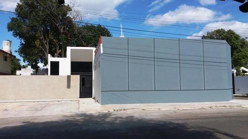 Oficinas En Renta!!,a Metros De La Calle 60 Y Circuito Colonias,mérida,yucatán