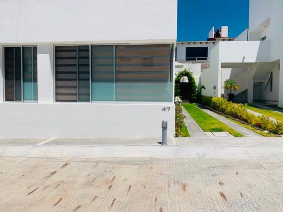 Se Vende Casa De Un Piso En Fraccionamiento El Mirador.