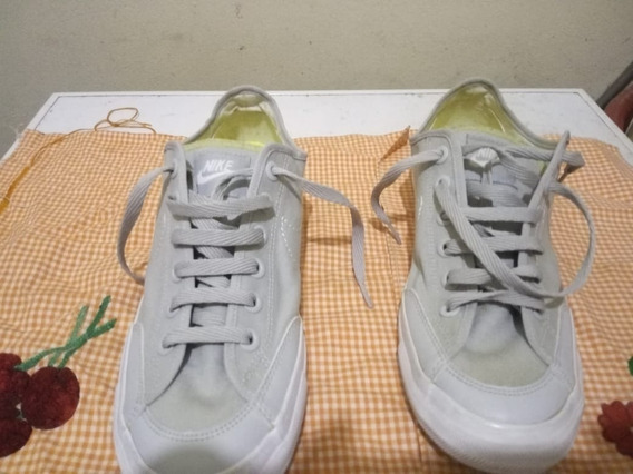 Zapatillas Nike Go Mid Canvas. Una Postura. Mujer.