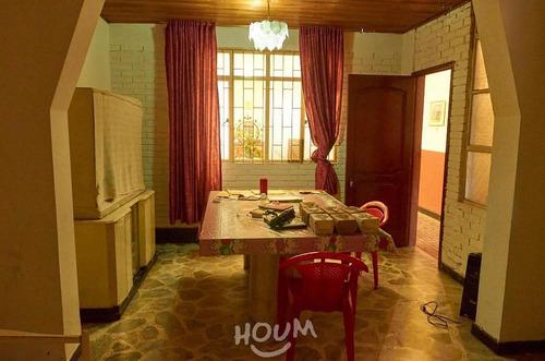 Casa En La Giralda, Fontibón. 8 Habitaciones, 327.0 M²