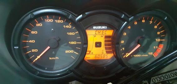 Suzuki Vstrom 650 Cilindrad