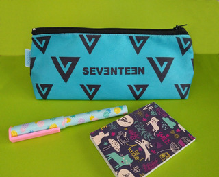 Cartuchera Triangular De K-pop Seventeen