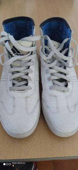 Zapatillas adidas. Botitas