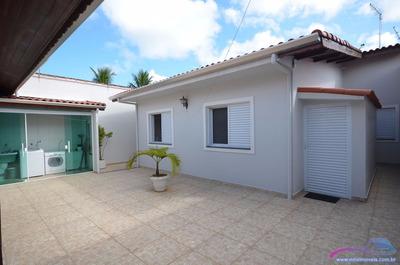 Casa À Venda 200 M. Da Praia Com Piscina. Ref. 0270 M H