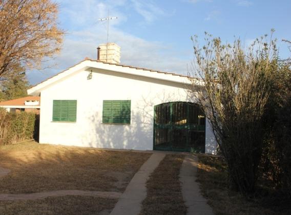 Vendo Casa En Villa Rumipal. ( A 200 Metros Del Lago )