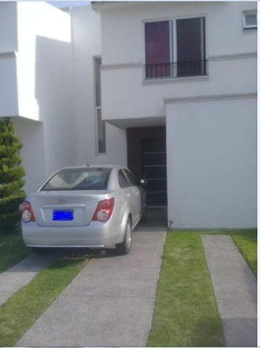 Casa Sola En Venta En Residencial Puerta De Piedra, Celaya, Guanajuato