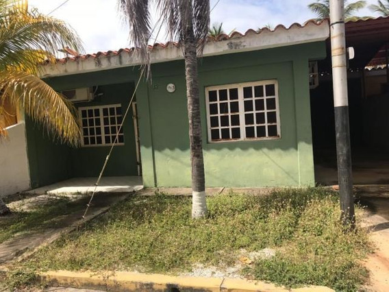 Casas En Venta Chichiriviche, Falcon A Gallardo