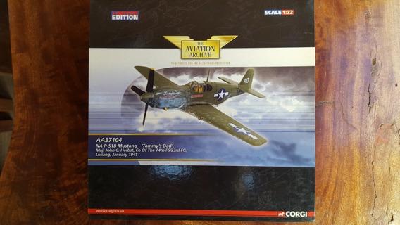Avião Die Cast 1:72 P-51b Mustang - Corgi - Aa37104
